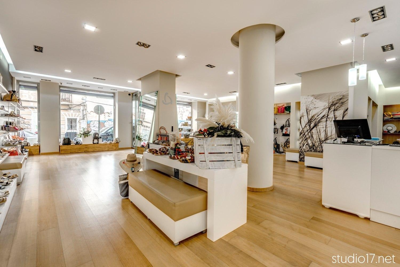 interiorismo comercial retail stands